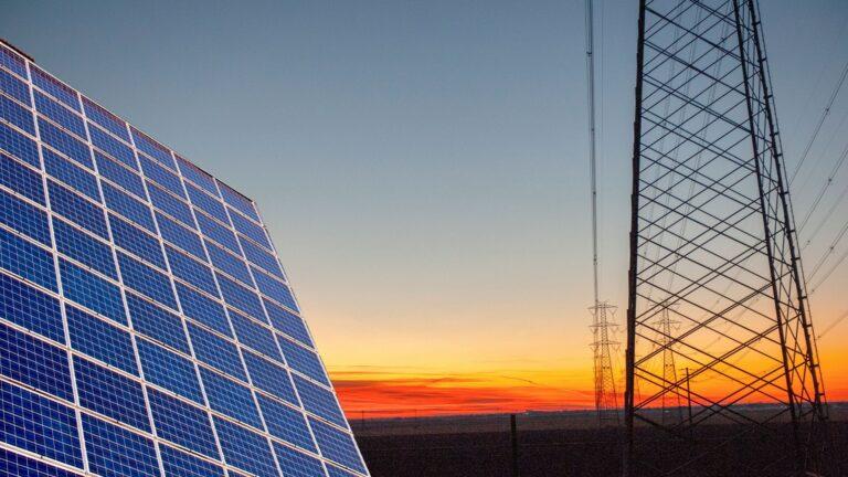 Energie rinnovabili Italia 6° per export tecnologie, Act Finanz gestori patrimoniali Svizzera